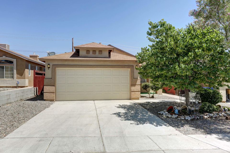 6009 Celestial Avenue NW, Albuquerque, NM 87114