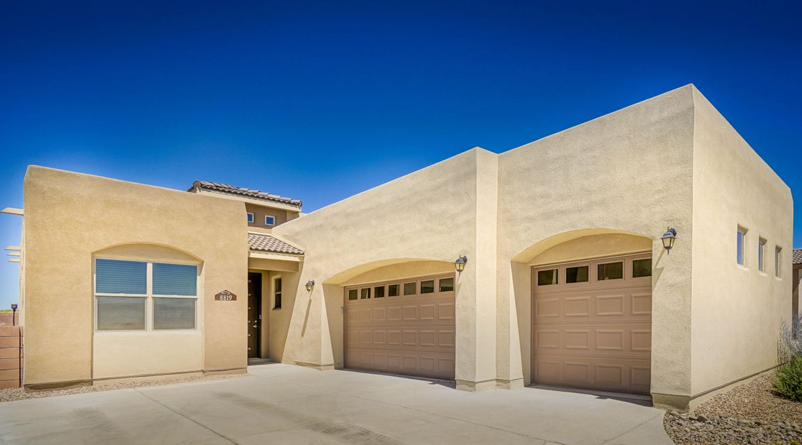 8819 Valle Prado Lane NW, Albuquerque, NM 87114