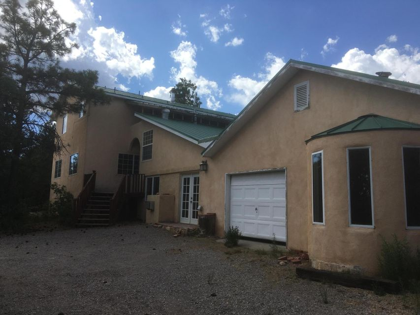 49 Meikle Road, Tijeras, NM 87059