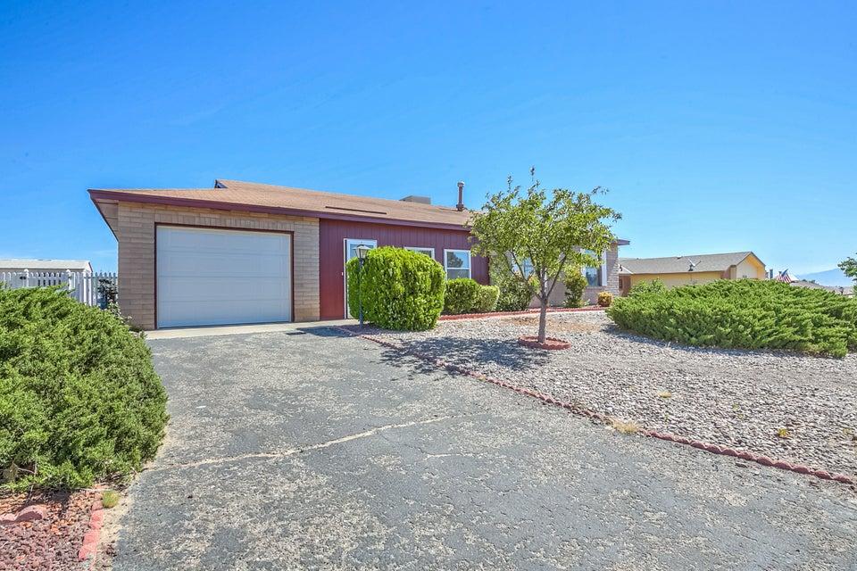 1020 Spur Road SE, Rio Rancho, NM 87124