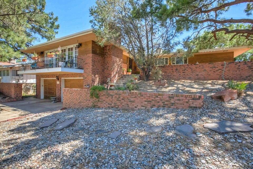 4900 Sunningdale Avenue NE, Albuquerque, NM 87110