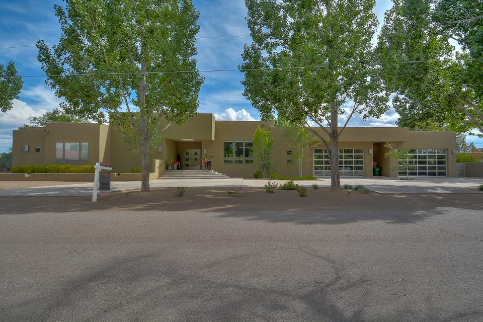 3140 Beach Road NW, Albuquerque, NM 87104