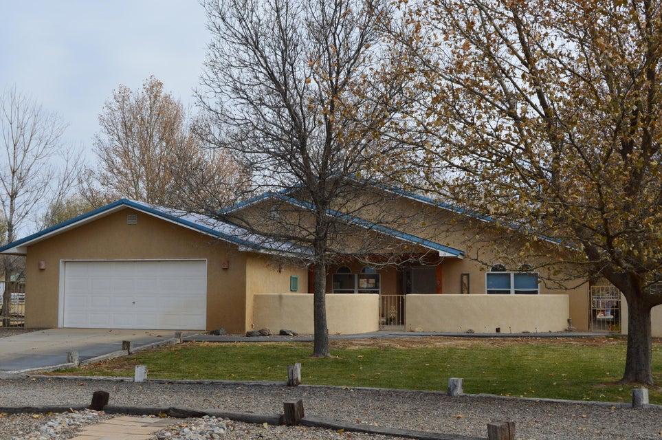 260 Del Norte Court, Bosque Farms, NM 87068
