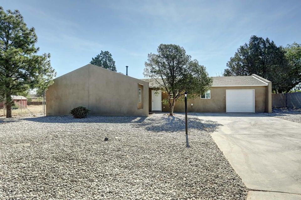 202 Oreja De Oro Drive SE, Rio Rancho, NM 87124