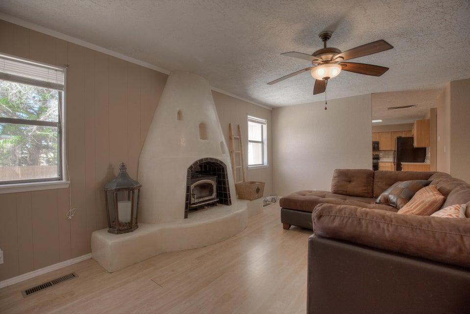 1437 Chihuahua Avenue NE, Albuquerque, NM 87112