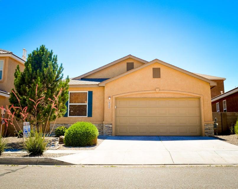 939 Molten Place NW, Albuquerque, NM 87120