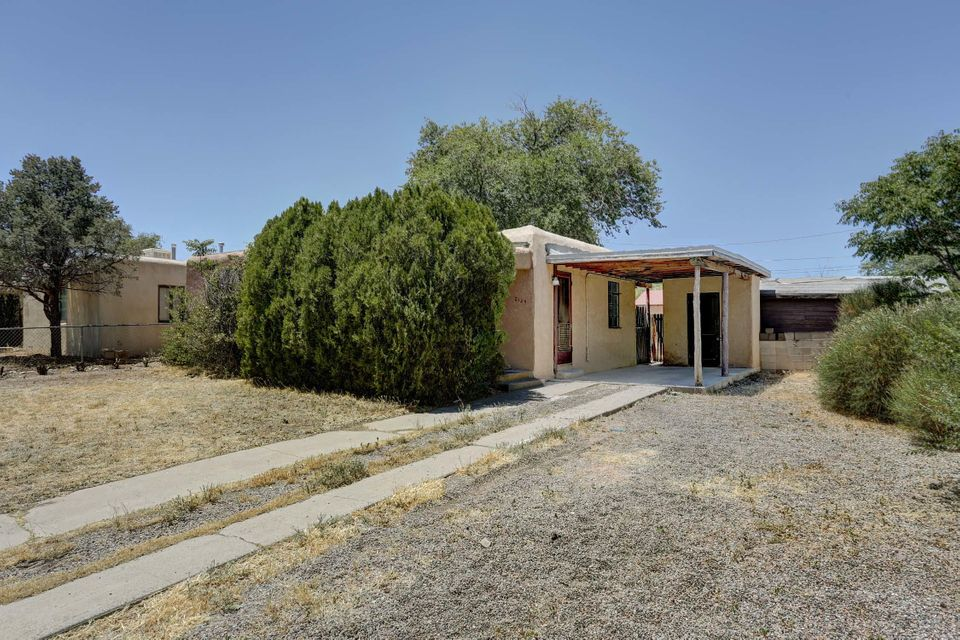2129 Palomas Drive NE, Albuquerque, NM 87110