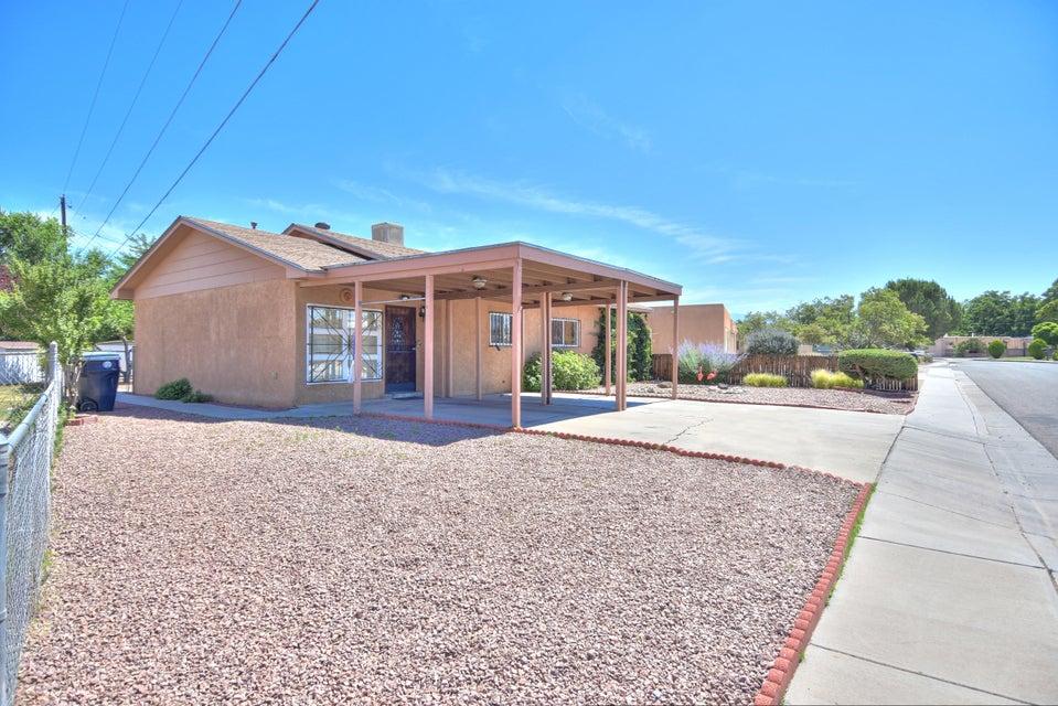 545 NW Barlane Place NW, Albuquerque, NM 87107