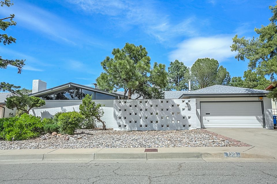 7313 AZTEC Road NE, Albuquerque, NM 87110