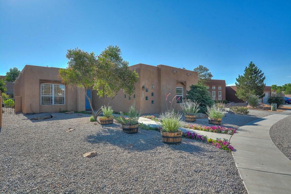6904 Santa Elena Street NE, Albuquerque, NM 87113