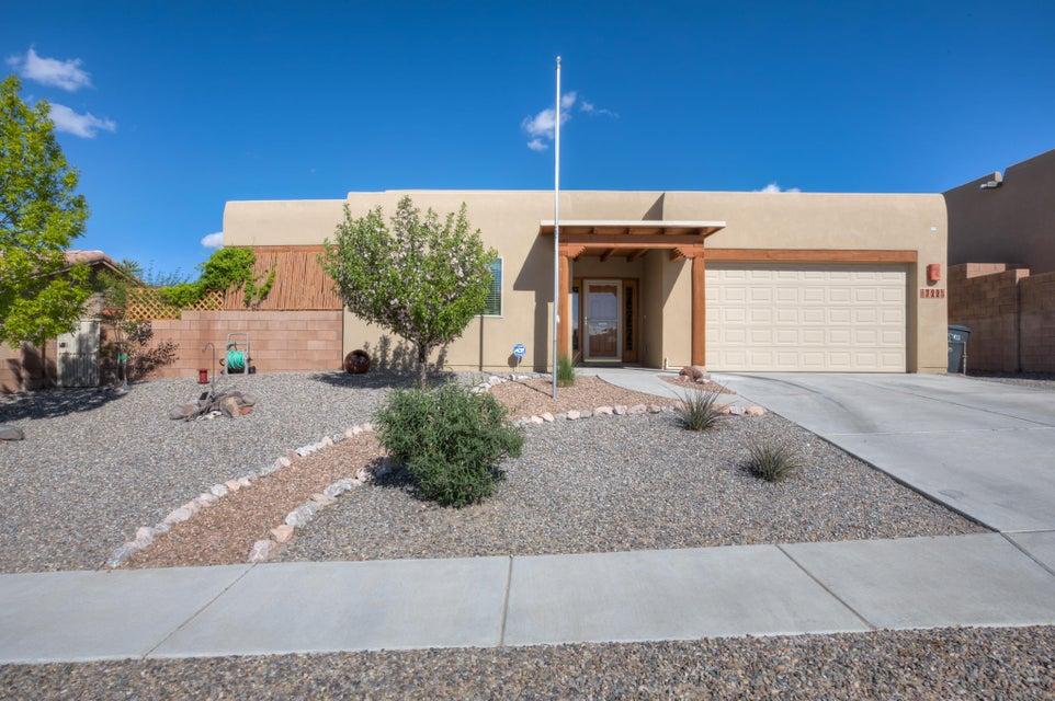 722 Loma Pinon Loop NE, Rio Rancho, NM 87144