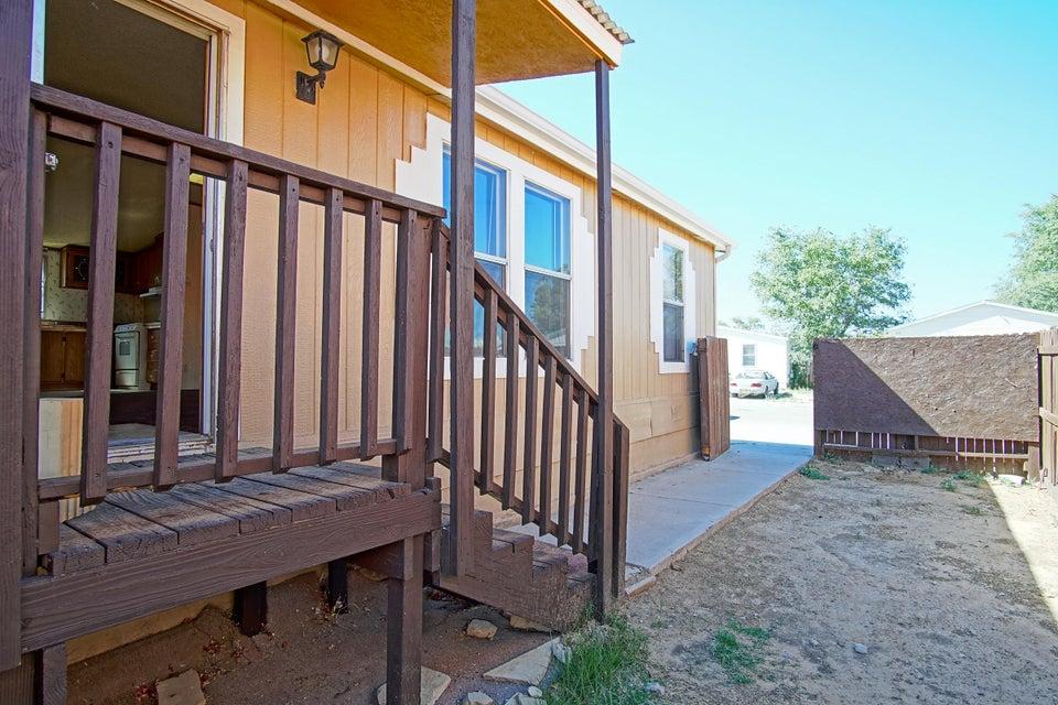 1133 Los Nardos Drive SE, Los Lunas, NM 87031