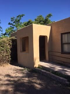 460 Gavilan Place NW, Albuquerque, NM 87107