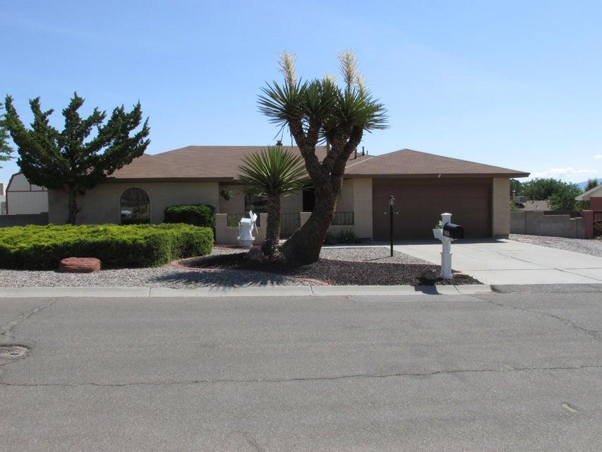 2101 Pine Bough Road SE, Rio Rancho, NM 87124