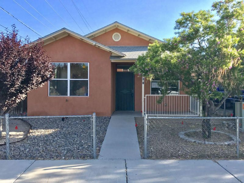 401 Placido Martinez Court NE, Albuquerque, NM 87102