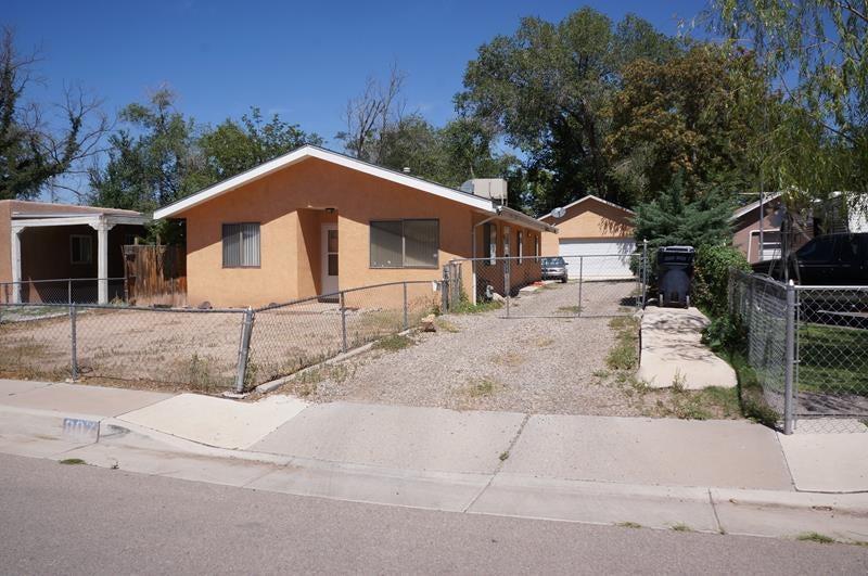 807 San Clemente Avenue NW, Albuquerque, NM 87107