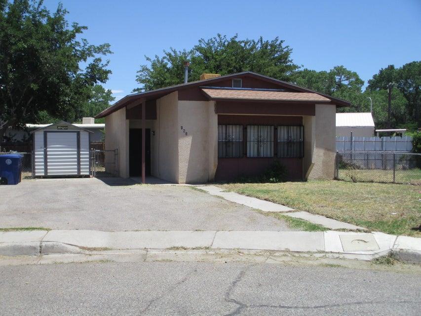 163 Sunset Loop SW, Albuquerque, NM 87105