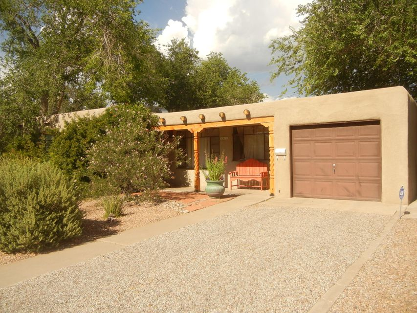1832 Georgia Street NE, Albuquerque, NM 87110