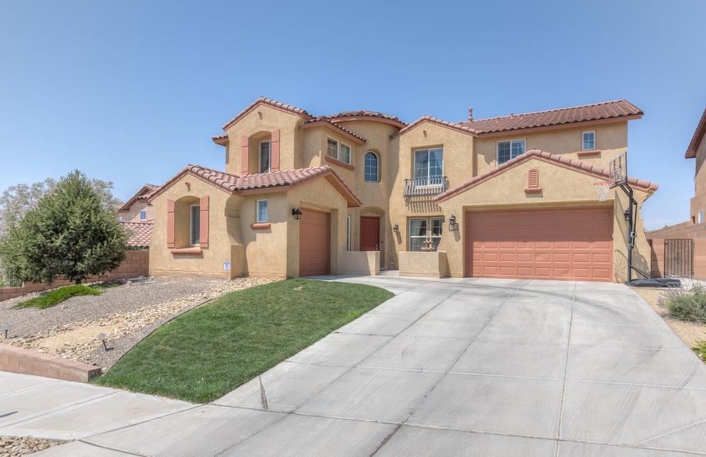 121 Los Miradores Drive NE, Rio Rancho, NM 87124
