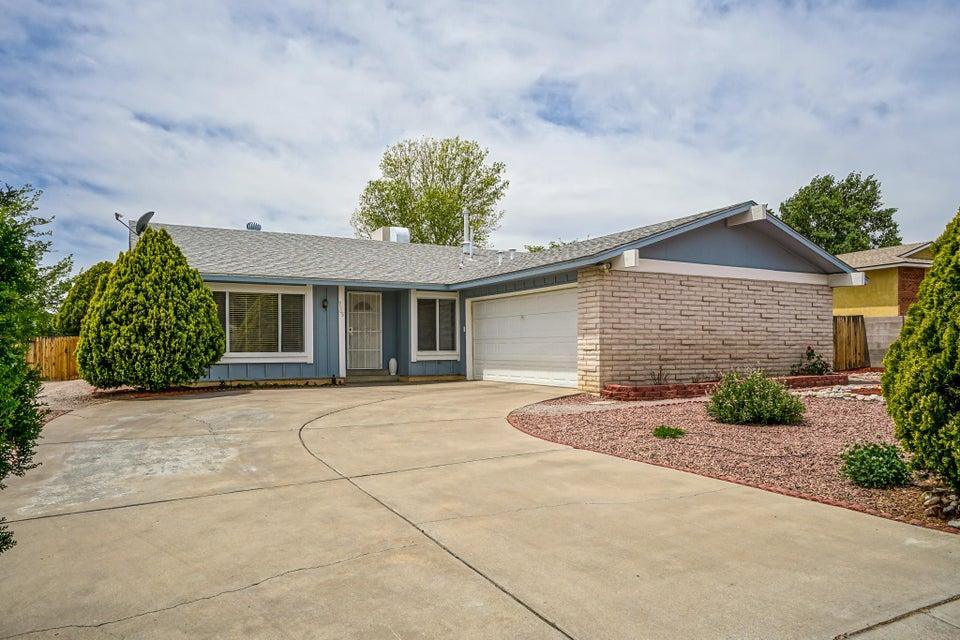 9905 Palmer Court NW, Albuquerque, NM 87114