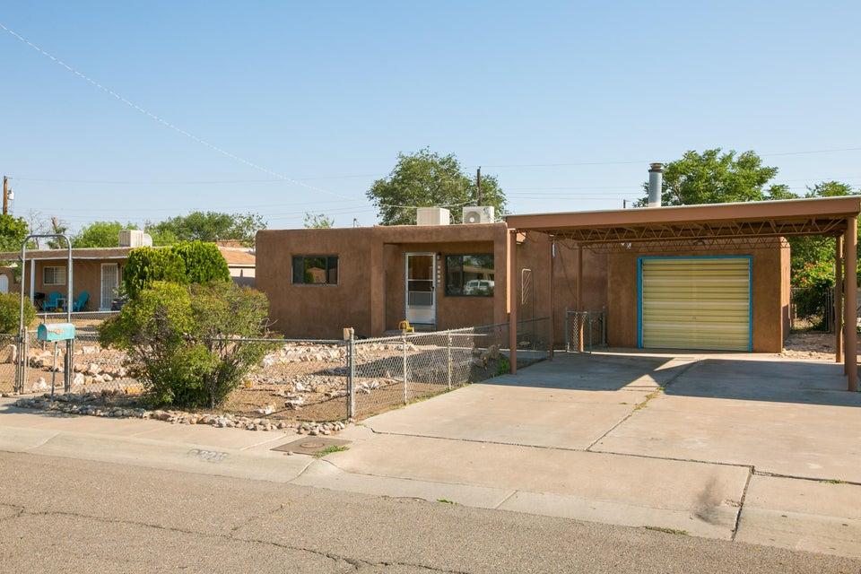 2325 Beryl Court NW, Albuquerque, NM 87104