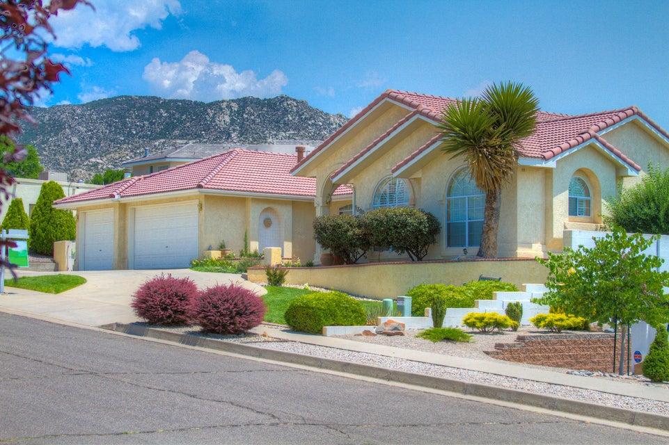 13204 Princess Jeanne Avenue NE, Albuquerque, NM 87112