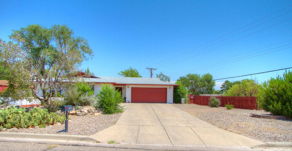 5805 Stratford Avenue NW, Albuquerque, NM 87114