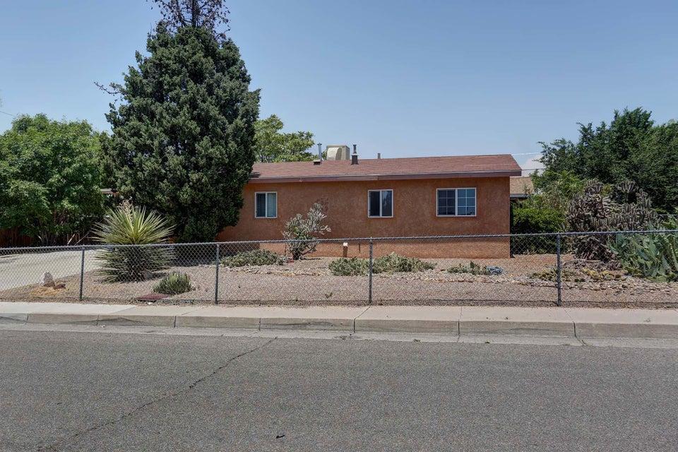11309 Faye Avenue NE, Albuquerque, NM 87112