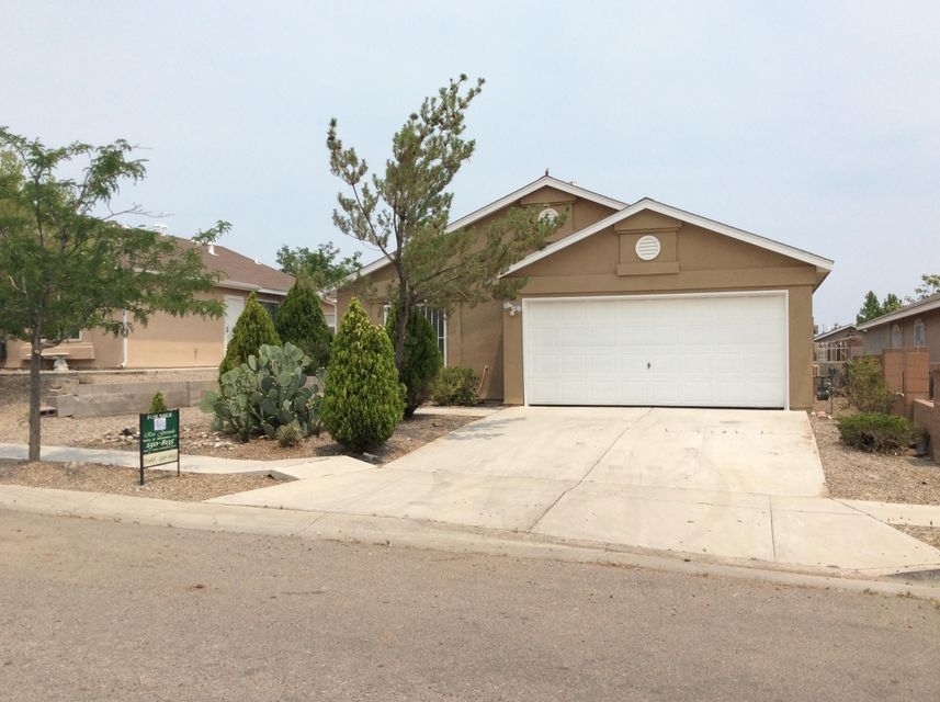 8919 Skylight Avenue SW, Albuquerque, NM 87121