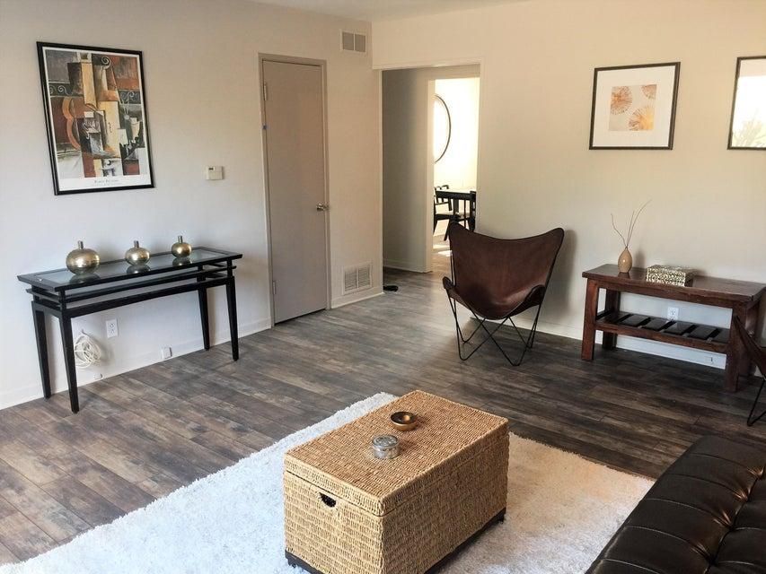 1025 Dakota Street SE, Albuquerque, NM 87108