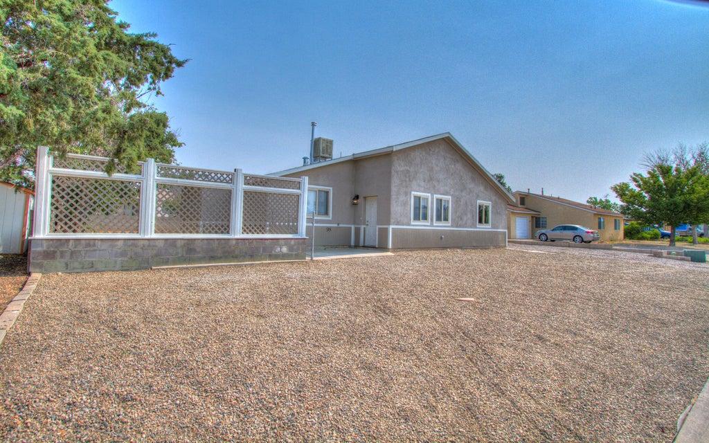 98 Quixote Drive SE, Rio Rancho, NM 87124