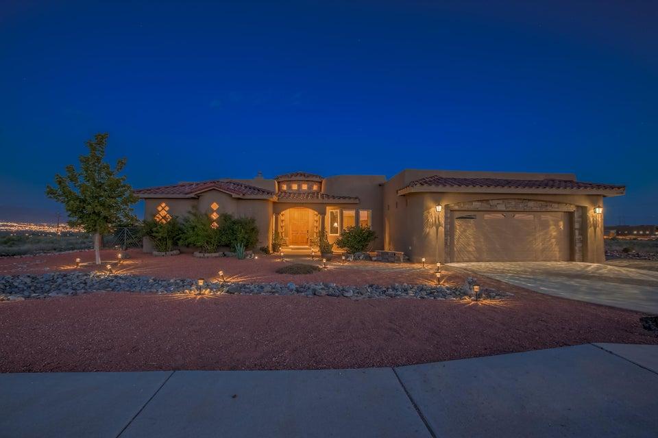 6108 Casa Blanca Drive NW, Albuquerque, NM 87120