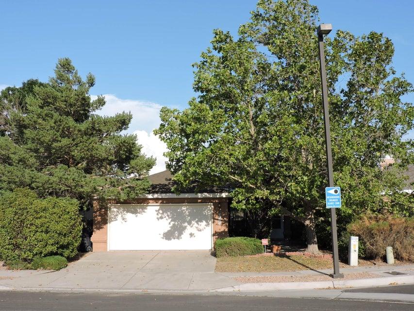 6616 Piedra Quemada Road NW, Albuquerque, NM 87114