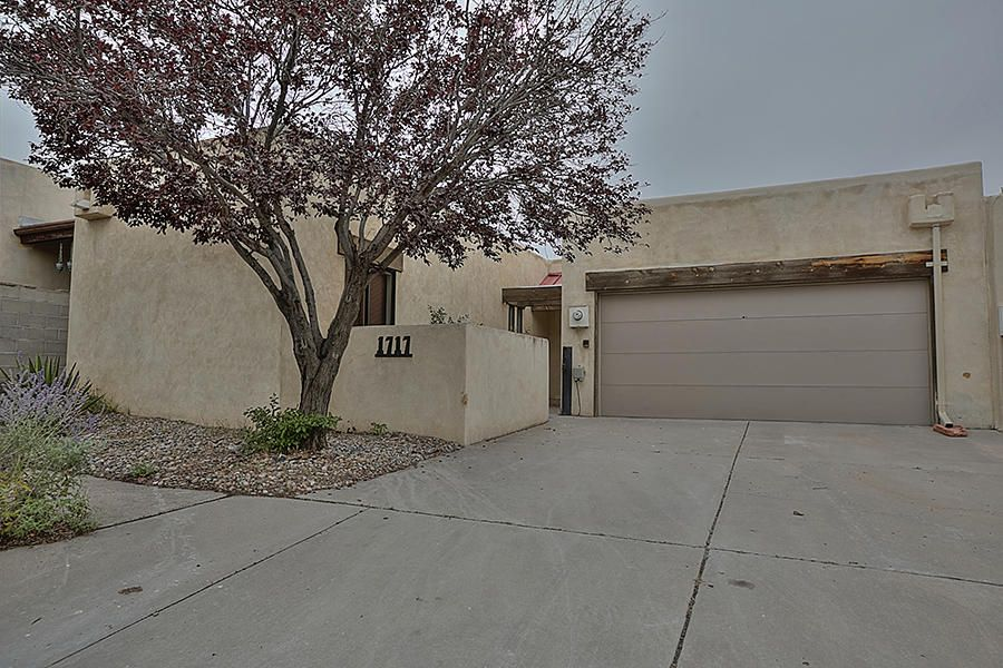 1717 Indian Plaza Drive NE, Albuquerque, NM 87106