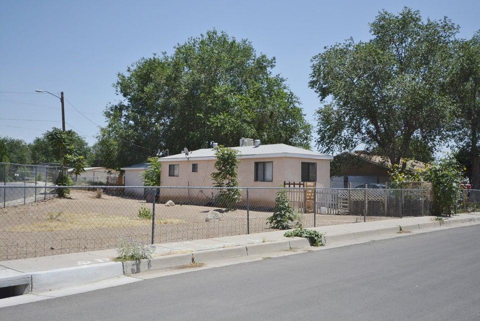 328 51St Street NW, Albuquerque, NM 87105