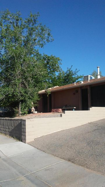 430 Salazar Court SE, Albuquerque, NM 87102