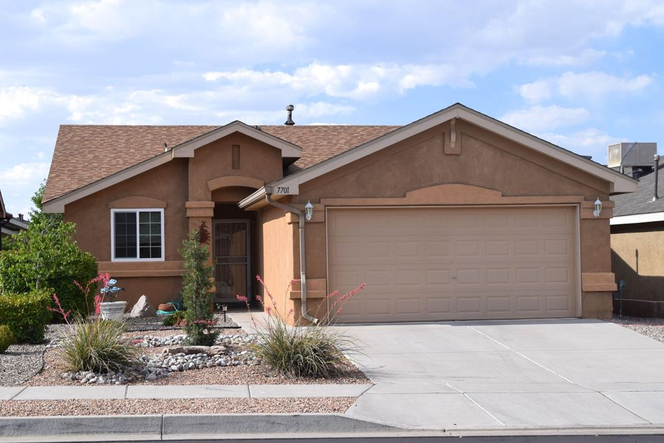7701 Woodstar Avenue NW, Albuquerque, NM 87114