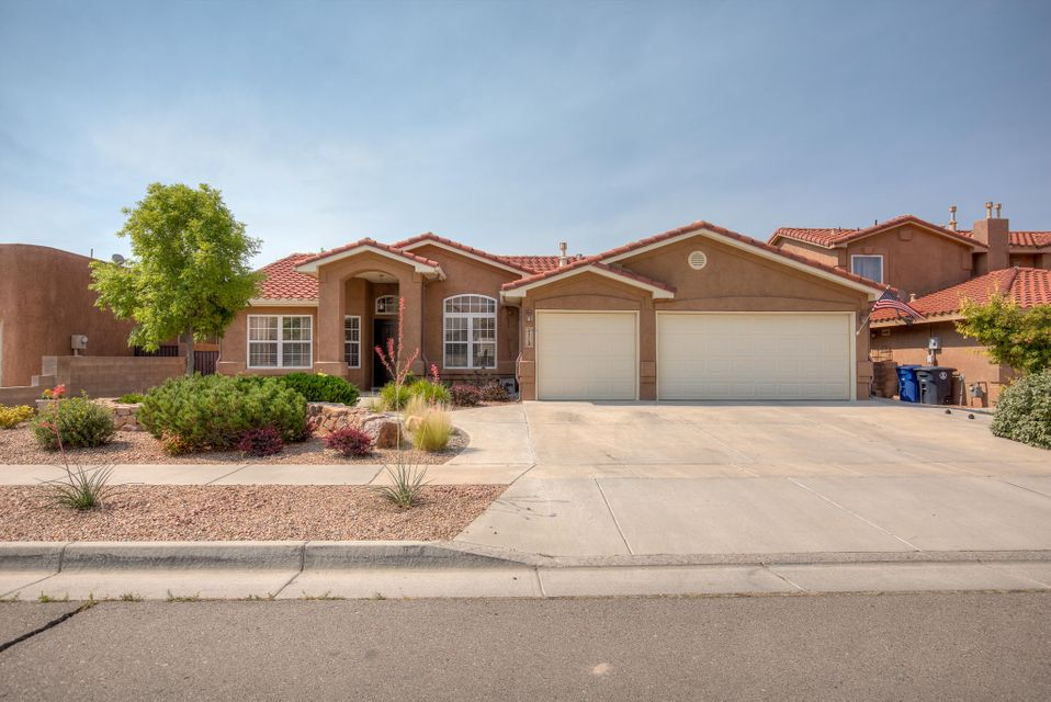 4512 Capri Court NW, Albuquerque, NM 87114