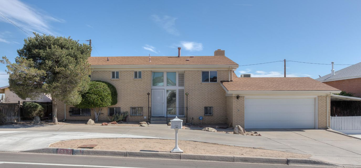 1032 Atrisco Drive NW, Albuquerque, NM 87105
