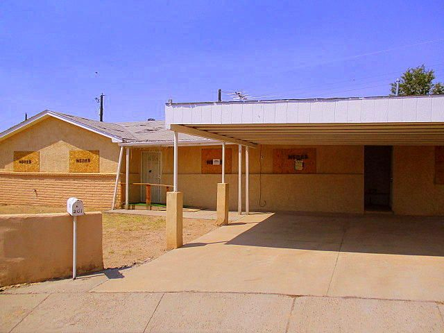 201 Laura Court SW, Albuquerque, NM 87121