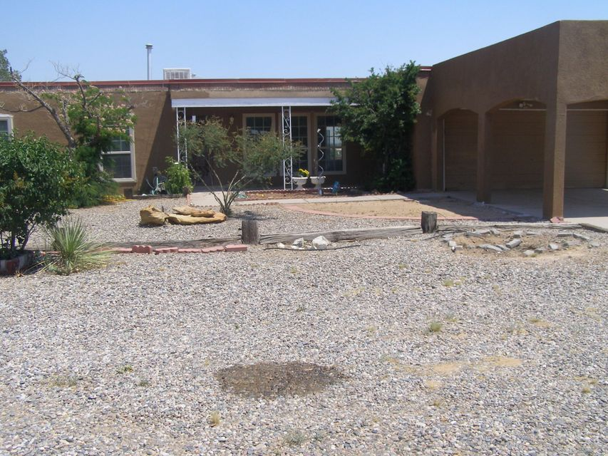 5727 Irving Boulevard NW, Albuquerque, NM 87114