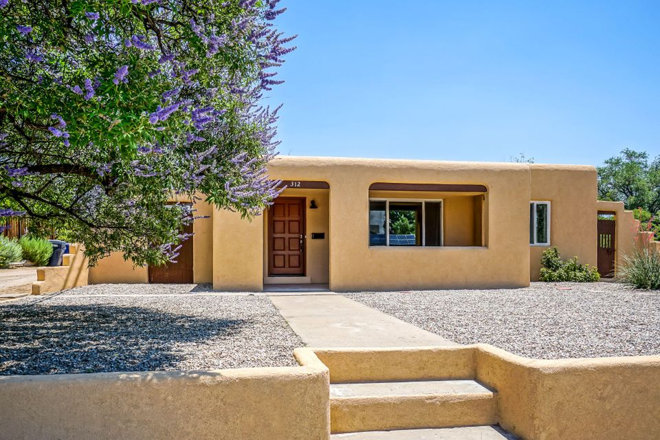 312 WELLESLEY Place NE, Albuquerque, NM 87106