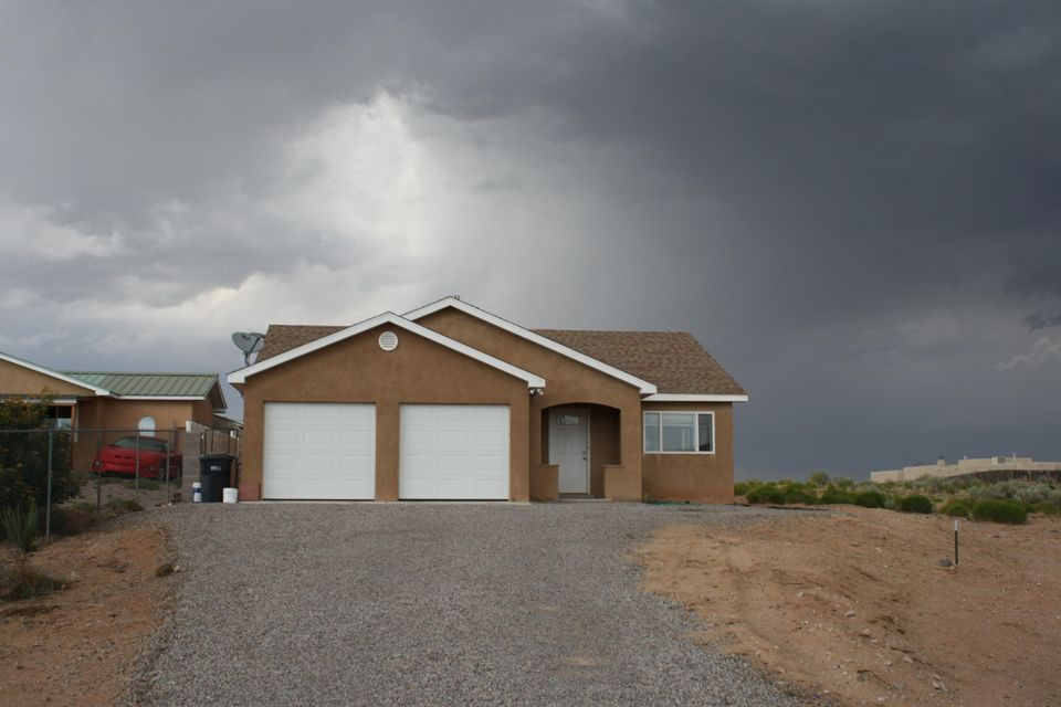 5781 Kim Road NE, Rio Rancho, NM 87144