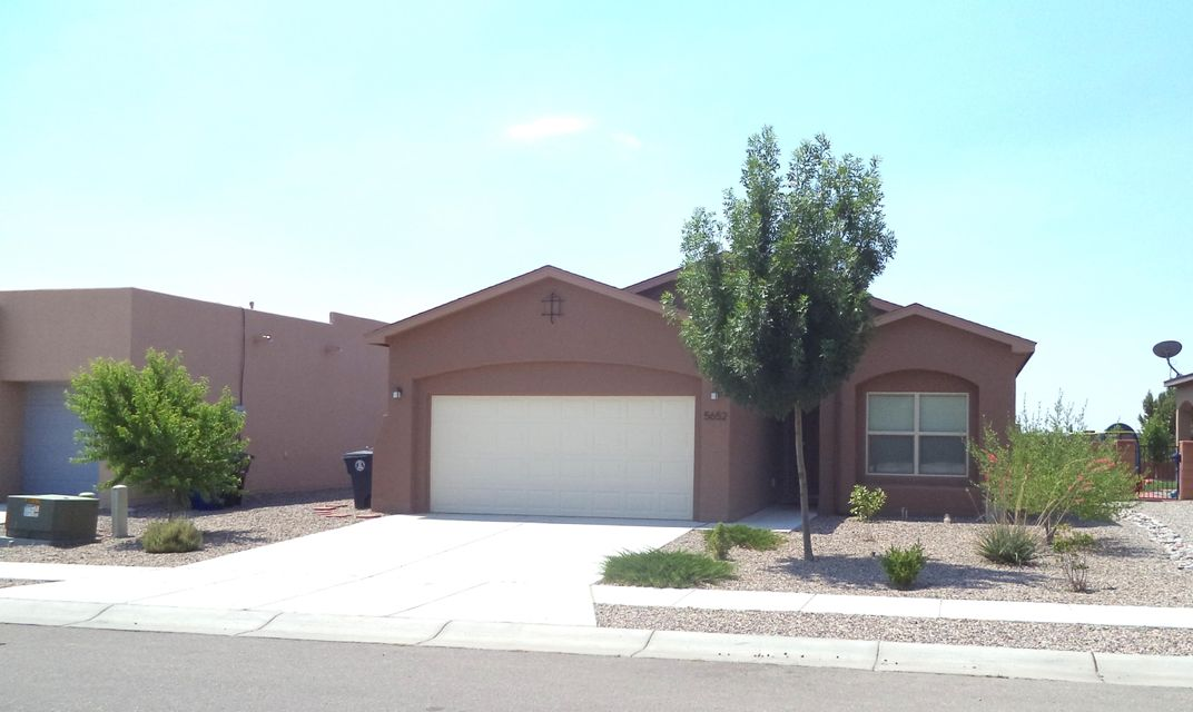 5652 Cold Creek Avenue NW, Albuquerque, NM 87114