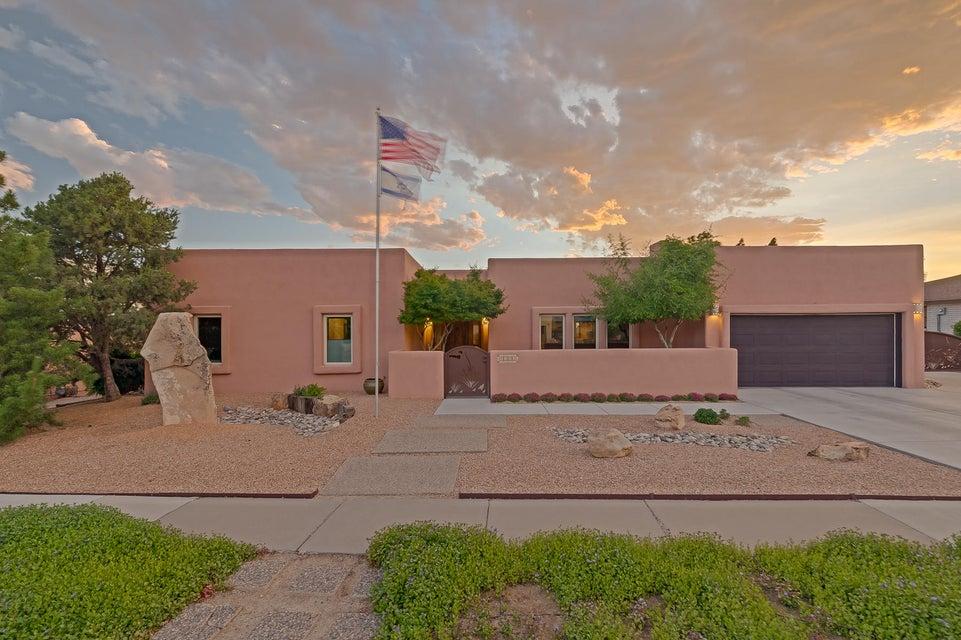 4905 Larchmont Drive NE, Albuquerque, NM 87111