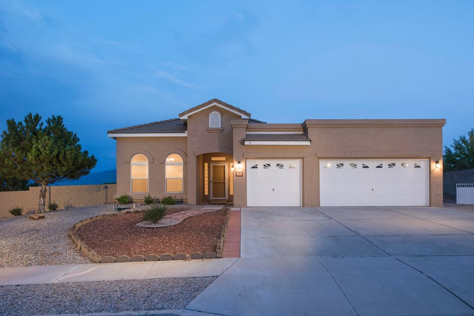 5060 Night Hawk Drive NE, Rio Rancho, NM 87144
