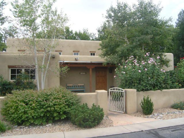1622 NW Rancho Guadalupe Trail NW, Albuquerque, NM 87107