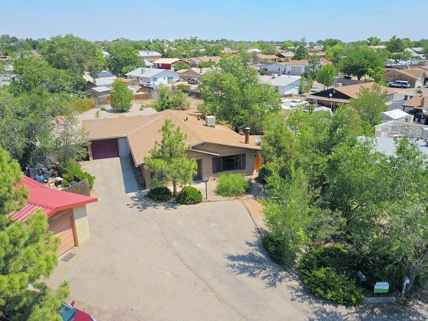 1725 Fran Place SE, Rio Rancho, NM 87124