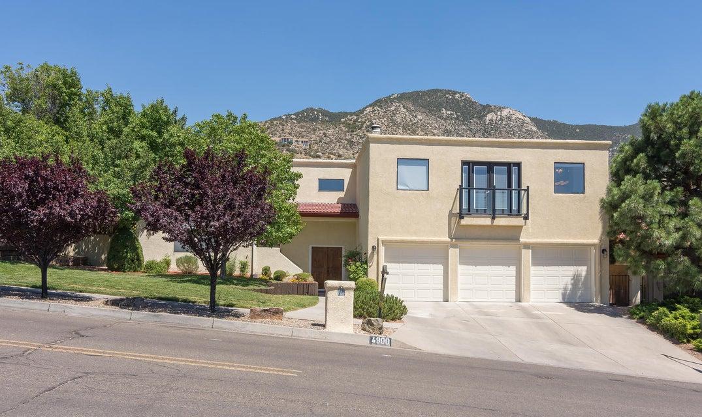 4900 Glenwood Hills Drive NE, Albuquerque, NM 87111