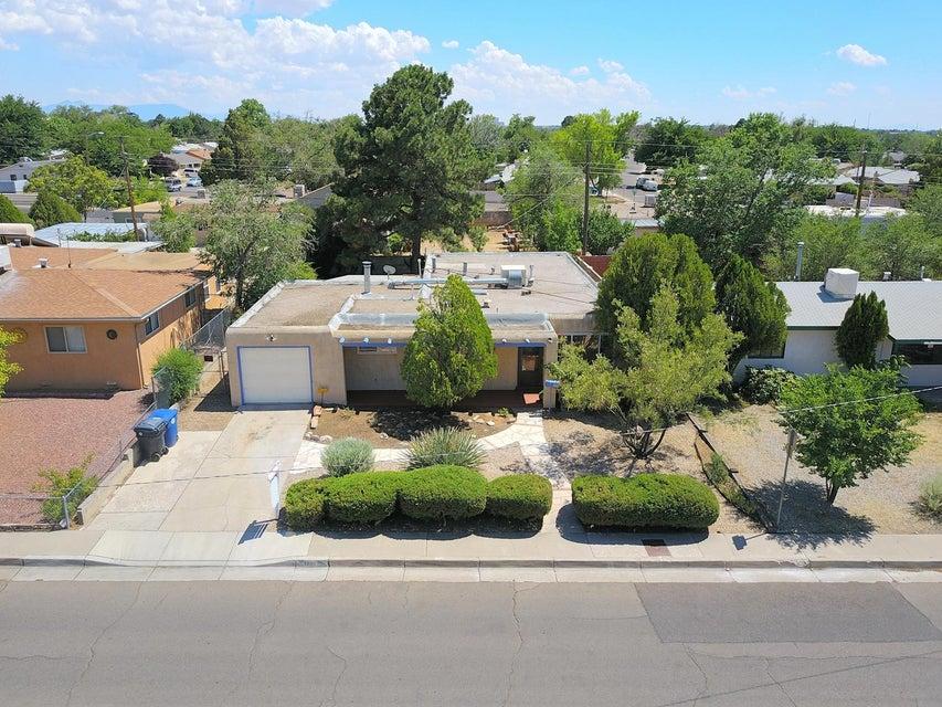 5604 Arvilla Avenue NE, Albuquerque, NM 87110